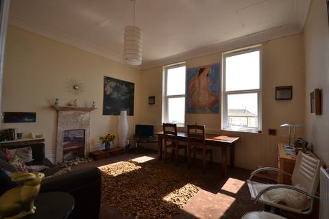 2 bedroom flat to rent - Marina, St Leonards-on-Sea
