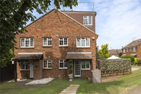 2 bedroom house for sale - St. Peter's Close, London, SW17