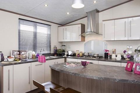 2 bedroom detached bungalow for sale - Llanrug, Caernarfon
