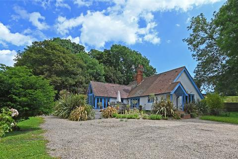 3 bedroom detached bungalow for sale - Bawdsey, Suffolk