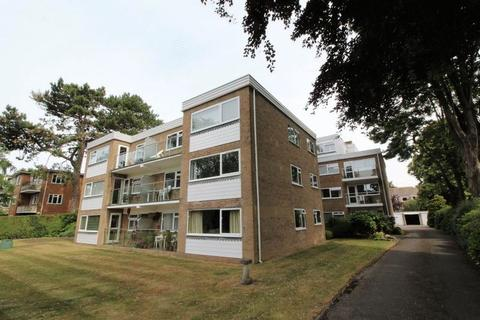 2 bedroom flat for sale - West Cliff Road, Bournemouth BH4 8AZ