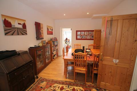 2 bedroom terraced house to rent - Windmill Road, Sunbury-on-Thames, TW16