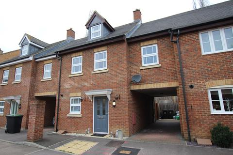 4 bedroom terraced house to rent - Stockbridge Close, Clifton, Shefford, SG17