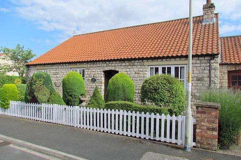 3 bedroom bungalow for sale - Brier Park, Nawton, York