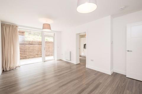 2 bedroom flat to rent - BRUNSWICK ROAD, EDINBURGH, EH7 5FN