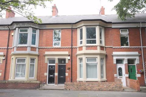 3 bedroom flat for sale - Queen Alexandra Road, North Shields, NE29