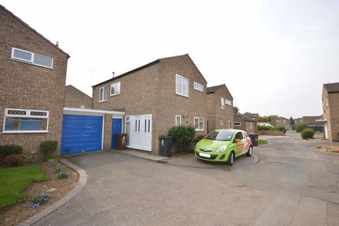 3 bedroom semi-detached house to rent - Breedon Close