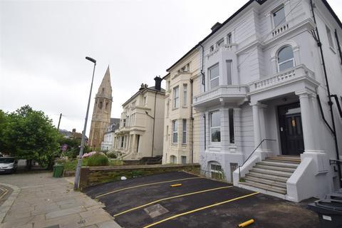 2 bedroom flat to rent - Pevensey Road, St. Leonards-On-Sea