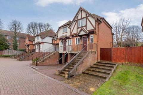 2 bedroom mews to rent - Lower Cookham Road, Maidenhead, SL6