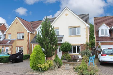 4 bedroom detached house for sale - Old Brewery Close, Stotfold, Hitchin, SG5