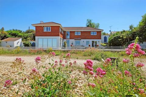 4 bedroom detached house for sale - Seasalter Beach, Seasalter, Whitstable