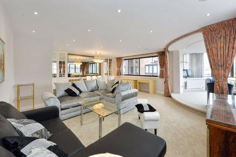 3 bedroom flat to rent - The Terraces, London, NW8
