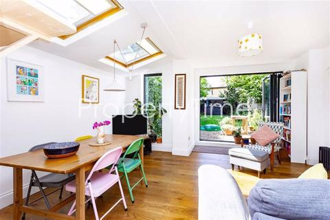 2 bedroom flat for sale - White Hart Lane, Wood Green, London
