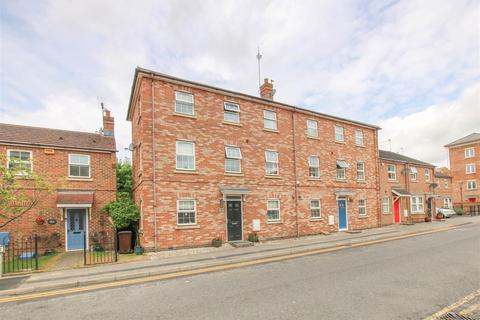 3 bedroom townhouse for sale - Pine Street, Aylesbury