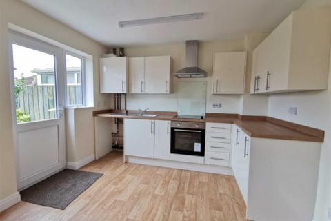 3 bedroom semi-detached house to rent - Cedar Close, Hornsea