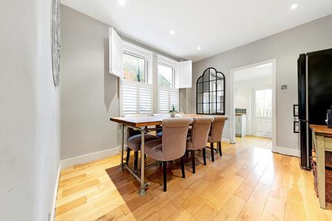 3 bedroom maisonette for sale - Kingswood Road, Brixton, London SW2