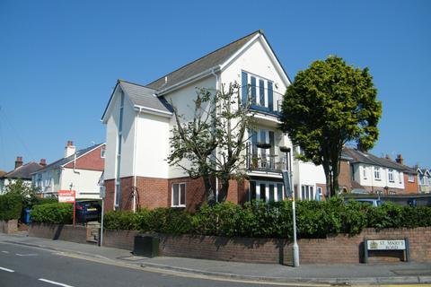2 bedroom flat for sale - Heckford Park