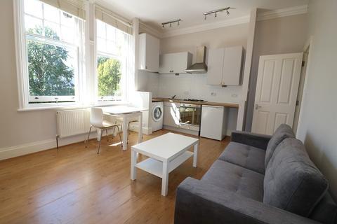 1 bedroom flat to rent - Park Hill, Ealing, London. W5 2JN
