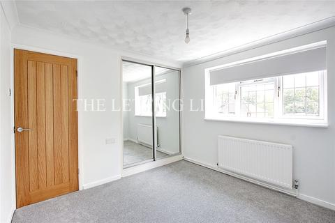 2 bedroom apartment to rent - Monks Close, Enfield, EN2