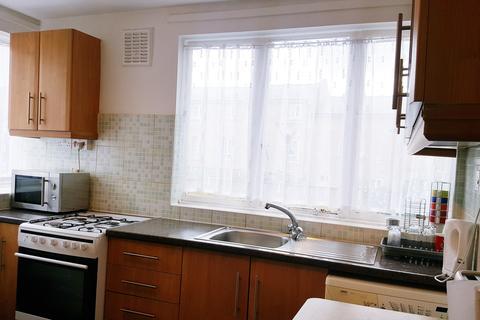 2 bedroom maisonette to rent - Lister House, Lomas Street , London E1