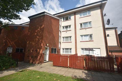 2 bedroom apartment for sale - Conmere Square, Manchester, M15 6DE