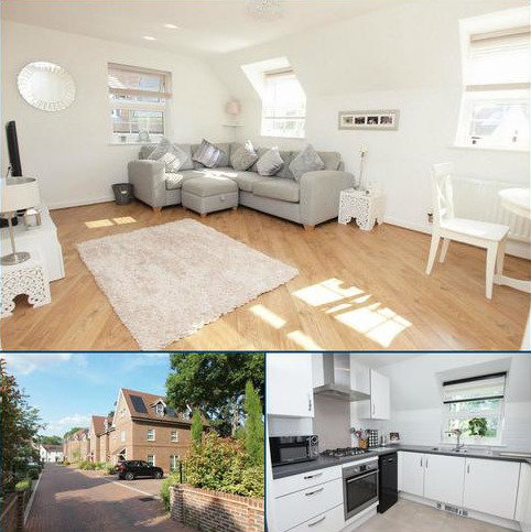 2 bedroom flat for sale - Glebe House Drive, Hayes, Bromley, Kent