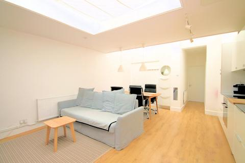Property to rent - Durnsford Road, Flat, London, SW19