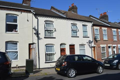 2 bedroom terraced house to rent - Terraced family home on Hampton Road, Luton