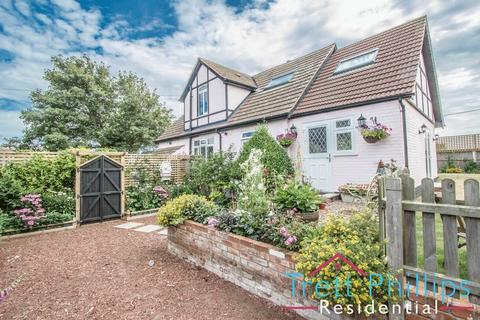4 bedroom character property for sale - St Marys Road, Hemsby