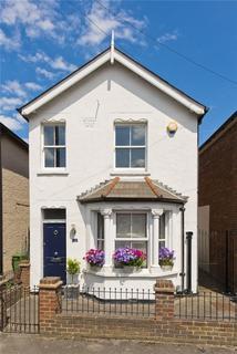 3 bedroom detached house for sale - Oakdale Road, Weybridge, Surrey, KT13