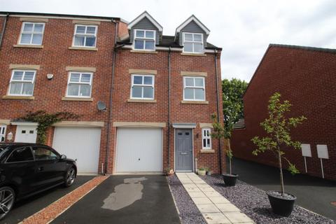 3 bedroom townhouse for sale - Bishops Park Road, Gateshead