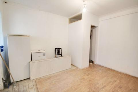 Property to rent - Forest Road, Enfield