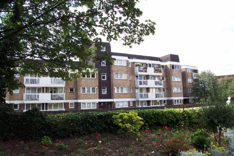 Studio to rent - Wynnstay, Oakhall Park, Burgess Hill