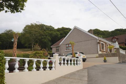 3 bedroom detached bungalow for sale - Llwynhen Road, Cwmgors, Ammanford