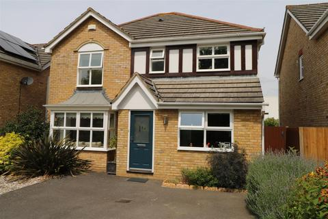 4 bedroom detached house for sale - The Spinney, Tonbridge