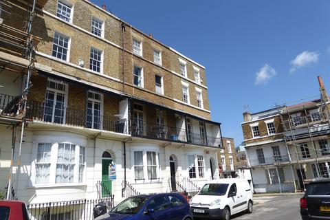 2 bedroom maisonette to rent - Spencer Square, Ramsgate