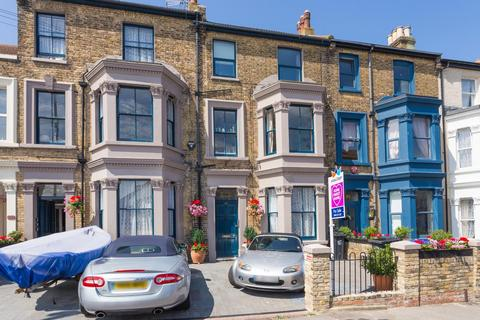 1 bedroom flat for sale - Sweyn Road, Cliftonville