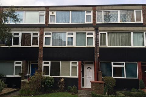 3 bedroom maisonette to rent - Leaf Close, Northwood, HA6