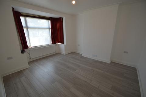 3 bedroom semi-detached house to rent -  Cadwallon Road,  New Eltham, SE9