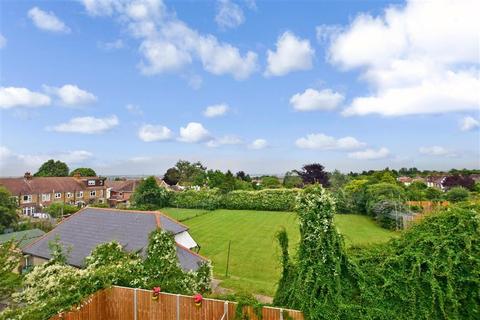 3 bedroom terraced house for sale - Glebe Road, Gillingham, Kent