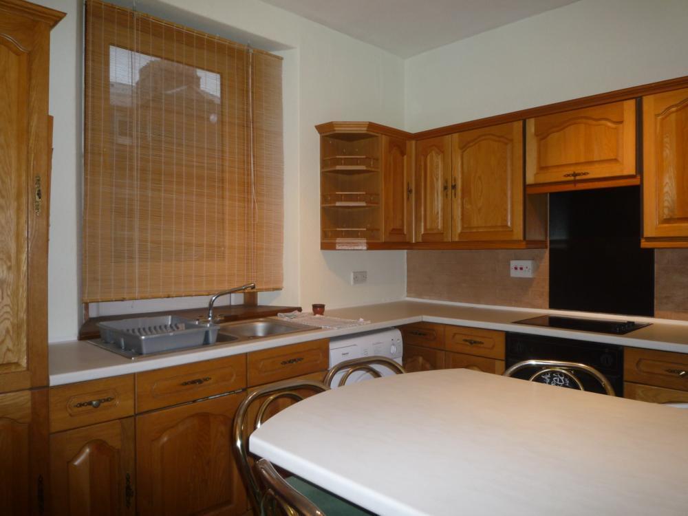 278 Hardgate, Top Left − Kitchen