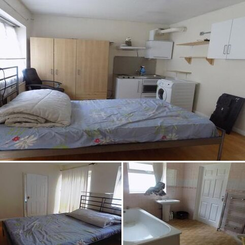 1 bedroom house share to rent - Philippa Gardens, London, SE9