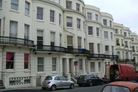 Studio to rent - Lansdowne Place, Hove, BN3 1FH