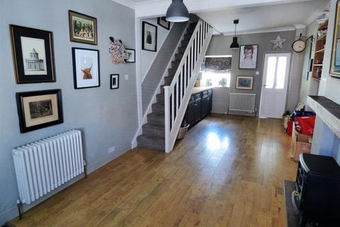 2 bedroom terraced house for sale - Beckside, Beverley, HU17 0PD
