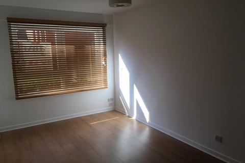 1 bedroom ground floor flat to rent - Holmlea Road, Glasgow G44