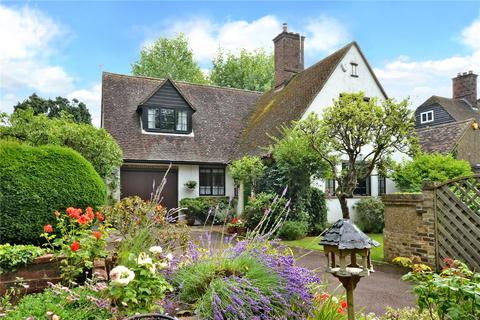 3 bedroom detached house for sale - Walpole Avenue, Chipstead, Surrey, CR5
