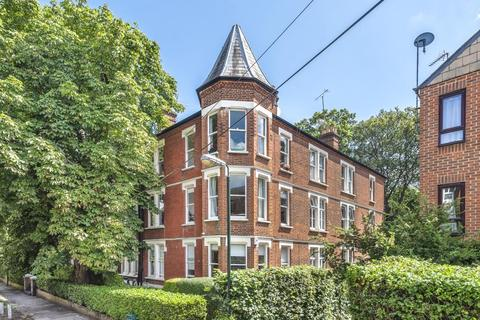 3 bedroom flat for sale - Richmond Mansions, Denton Road, TW1