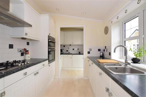 2 bedroom park home for sale - Hawthorn Close, Hayes Country Park Battlesbri, Wickford, Essex