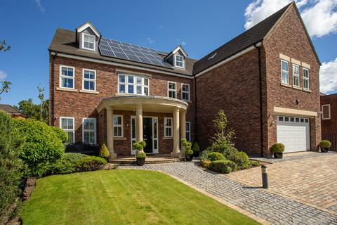 6 bedroom detached house for sale - Kenton Avenue, Gosforth, Newcastle Upon Tyne