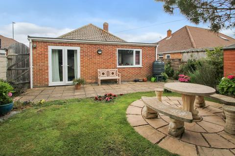 3 bedroom detached bungalow for sale - Crabtree Lane, Lancing BN15 9PF